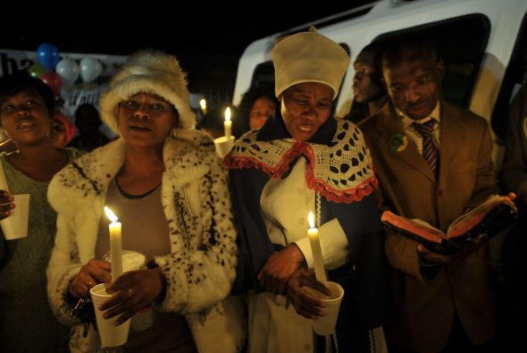 """En su oración, el religioso pidió por la """"curación eterna de Madiba y el..."""