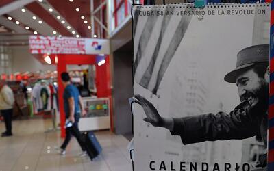 Un calendario de 2017 con imágenes del recién fallecido líder cubano Fid...