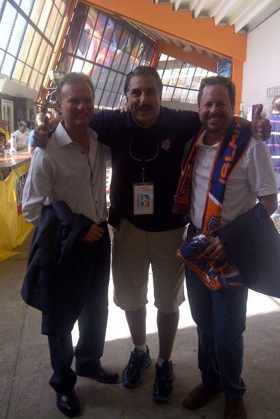 Con el Alcalde de Bayamón, Ramon Luis Rivera y el Presidente de Islander...