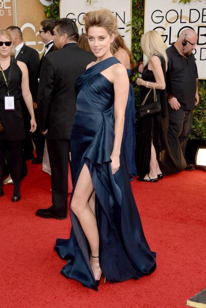 Enseñar pierna fue lo de Amber Heard. La actriz se decantó...