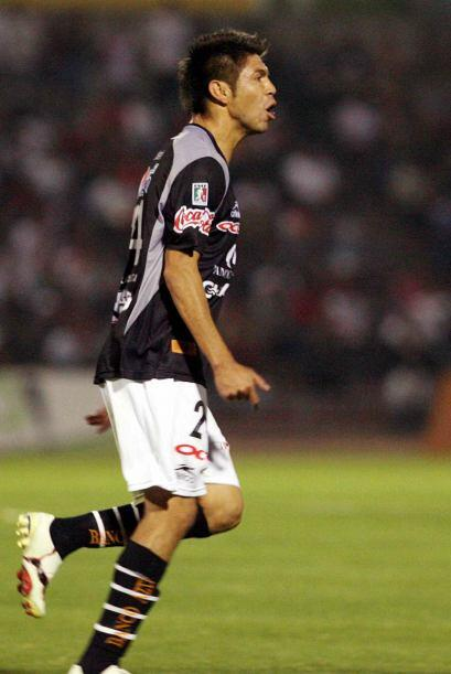 Finalmente, en el Apertura 2009 pudo jugar un partido completo ante Sant...