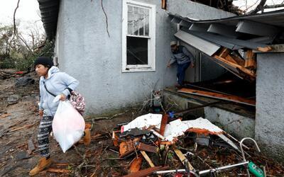 Tornados mortales causan extensos al sur de EEUU