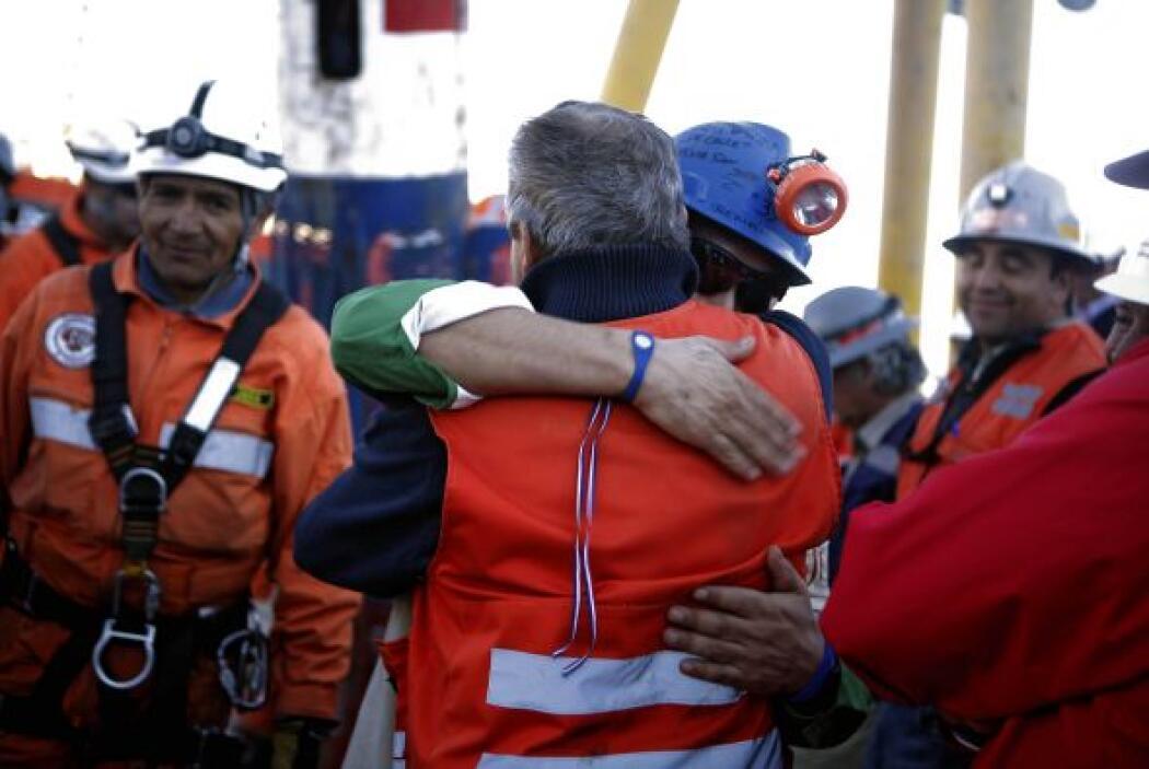 Fue el vigésimo quinto minero en ser rescatado. Su hermano Florencio fue...