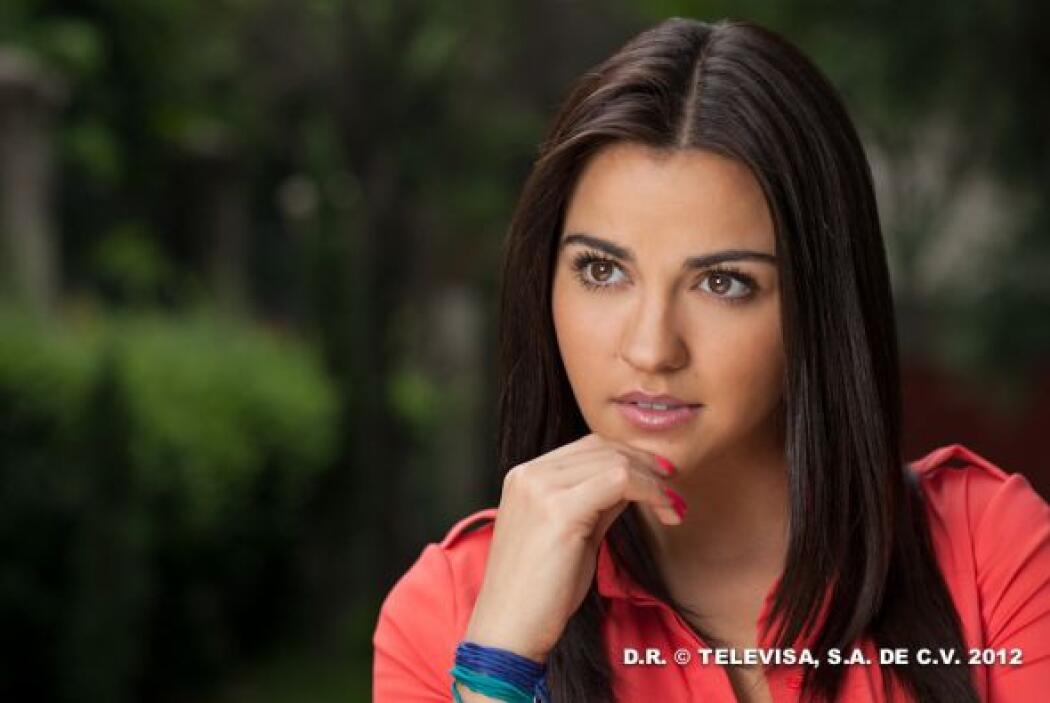 """""""Renata"""" es más joven y es periodista."""
