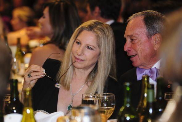 Barbra StreisandMira aquí los videos más chismosos.