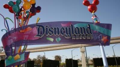 El parque Disney de California fue cerrado el sábado después de que un e...