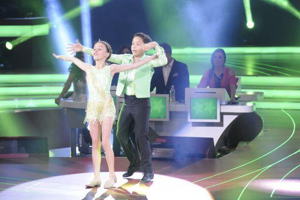 Nicole y Erick bailaron una canción del género musical cha-cha.