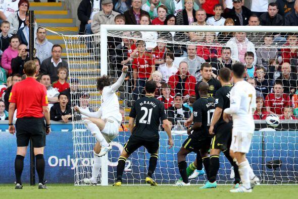 El español Michu volvió a encontrarse con el gol en el tri...