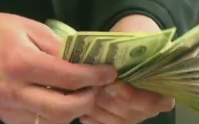 Expertos recomiendan a parejas tener cuentas bancarias separadas