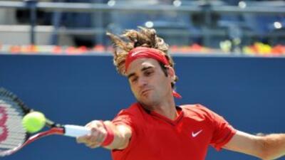 Roger Federer ganó en tres sets al israelí Dudi Sela.