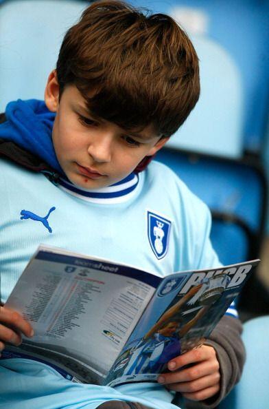 Y es que el fútbol tiene muchas historias, como la que lee este j...