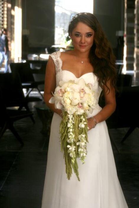 Sherlyn pidió buenos deseos para su vida de casada.