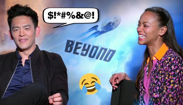 Zoe Saldaña le enseña palabrotas a sus compañeros de la cinta 'Star Trek...