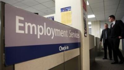 Menos personas solicitaron el subsidio semanal por desempleo la semana p...