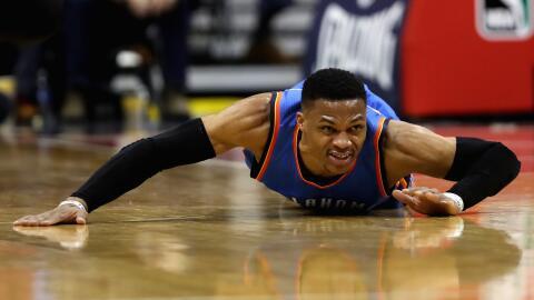Westbrook añadió 11 rebotes y 10 asistencias.