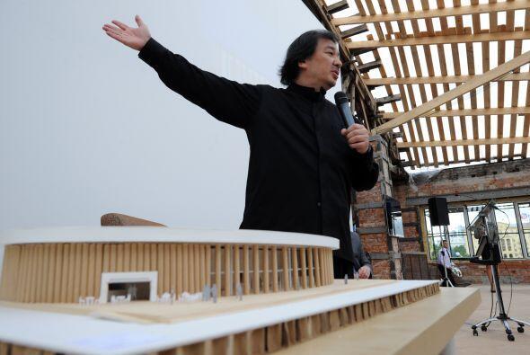 Otro de sus proyectos incluyen una galería temporal en la capital rusa.