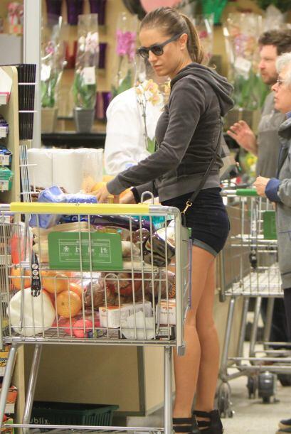 En ésta y cualquier otra larga cola del supermercado nos formamos con ta...