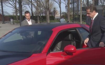Andrew Cuomo anuncia descuentos para la compra de vehículos eléctricos