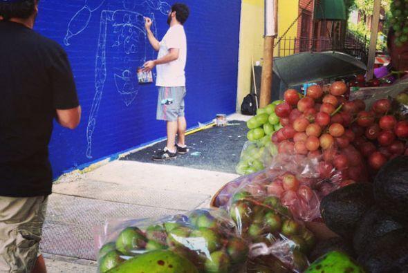 Pretende, asimismo, estrechar los lazos entre ese vecindario y la isla e...