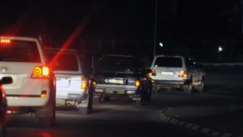El convoy armado se apoderó de tres patrullas y tomó como rehenes a poli...