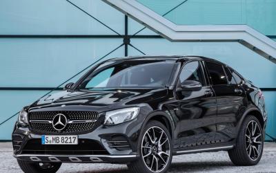 La GLC43 Coupé llega mostrando el controversial diseño de...