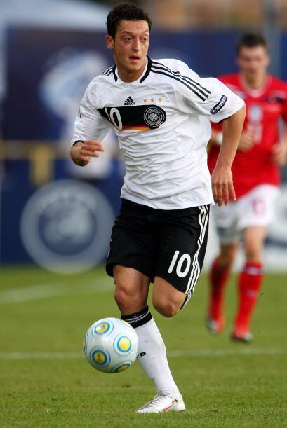Mesut fue tomado en cuenta por la selección alemana desde las cat...