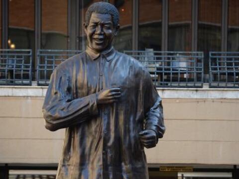 Nelson Rolihlahla Mandela conocido en su país, Sudáfrica,...