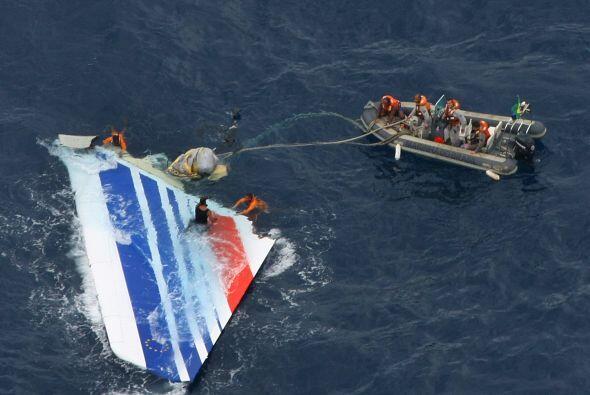 La investigación del accidente del vuelo Río-París...
