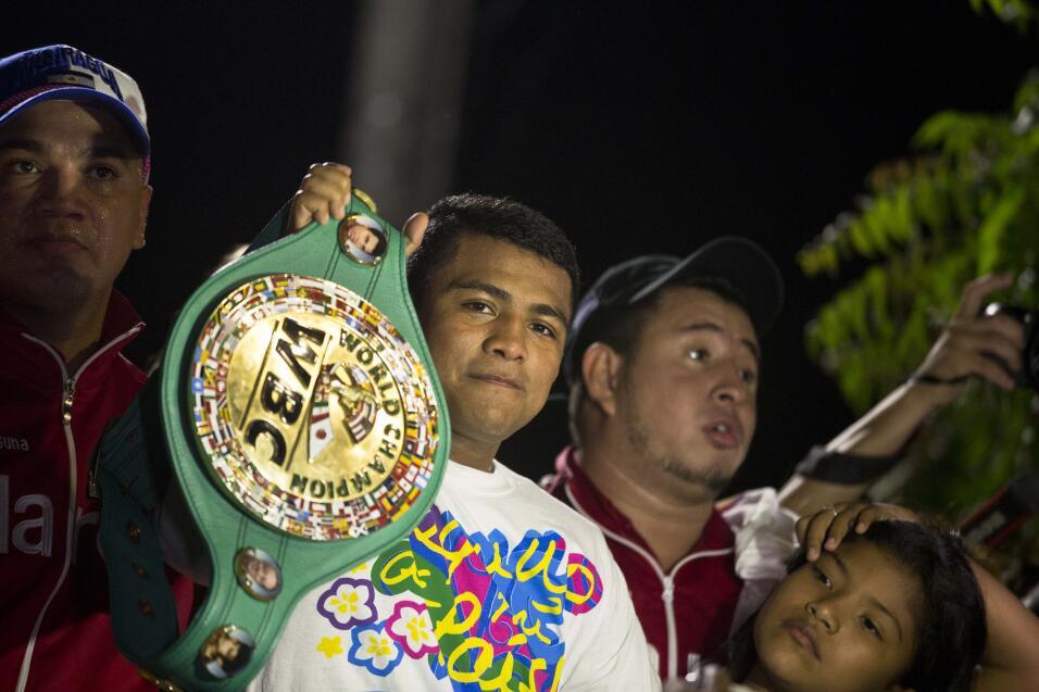 Román 'Chocolatito' González, campeón mosca del CMB, fue recibido como h...