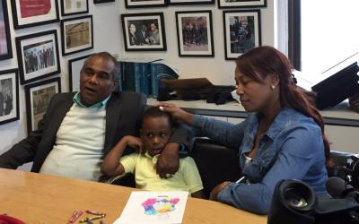 """""""¿Y si esa maleta... tiene cocaína?"""": familia dominicana explica por qué..."""