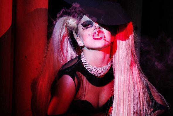Lady Gaga en el escenario este fin de semana pidió legalizar el m...