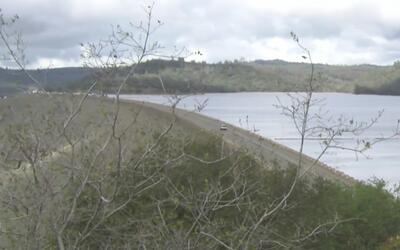 Autoridades aseguran que la Presa Oroville no está en riesgo de desbordarse