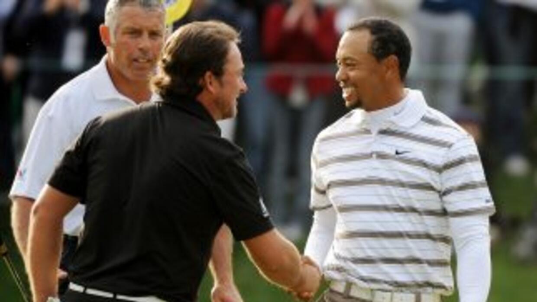 Tiger Woods finalizó al tope de la tercera ronda en el Chevron Country C...