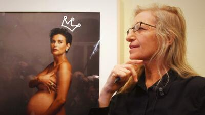 La fotógrafa Annie Leibovitz retrata a Demi Moore embarazada.