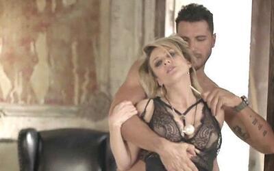 ¡Kris Jenner grabó un video de contenido sexual! CvqHKKCUIAACSHV.jpg
