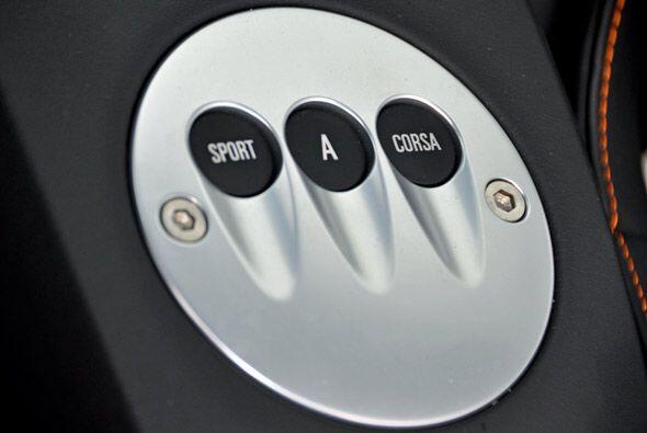La caja de velocidades tiene tres modos dependiendo el tipo de manejo qu...