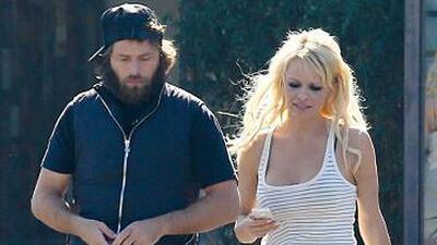 Pamela Anderson va por su tercer divorcio