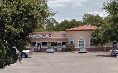 Súper Mercado 5 Estrellas ubicado en el 9648 Overlake Dr. Dallas,...