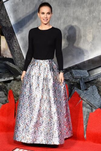 Indudablemente la más bella de la noche fue Natalie Portman, quien graci...