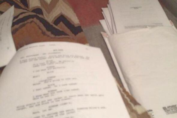 Esta imagen la compartió la actriz, son los libretos que los productores...