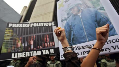 Manifestación en Venezuela pide la libertad de los presos pol&iac...