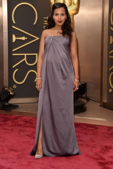 Kerry Washington sigue siendo de las embarazadas más 'fashion'. El vesti...