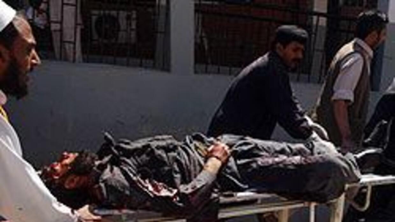 Atacan con coches bomba consulado de EU en Pakistán; 3 muertos d23b14715...