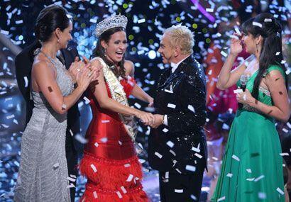 El momento más agradable para todos es cuando coronan a la reina,...