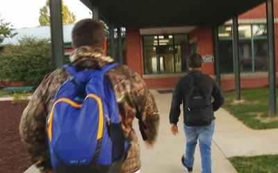 Los hermanos Moreno inician el año escolar sin saber si lo podrán terminar