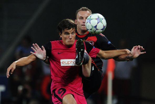 El Bayer Leverkusen alemán se vio las caras con el Racing Genk de...