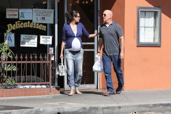 Emma Heming y Bruce Willis están de fiesta.Más videos de Chismes aquí.