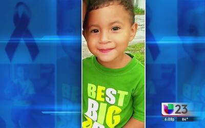 Confirmado: niño abandonado dentro de una camioneta era hispano