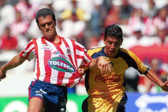 """En la recta final de su carrera el """"Grandote de Cerro Azul"""" jugó con las..."""