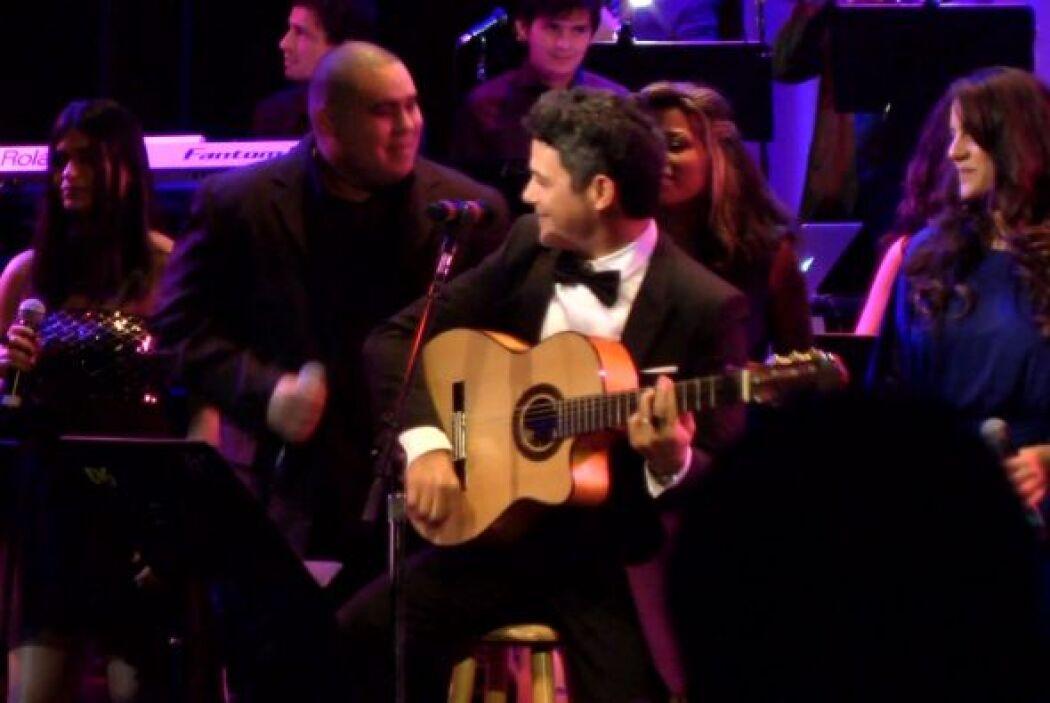 Sanz se unió a la orquesta compuesta por 40 estudiantes de la prestigios...